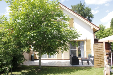 Traumhaftes Einfamilienhaus für die ganze Familie mit großem Garten, 82538 Geretsried, Einfamilienhaus