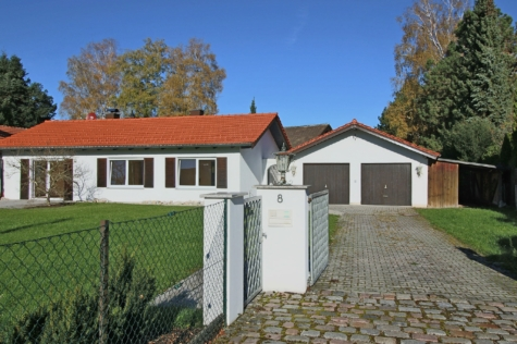 Zauberhaftes, kleines EFH in ruhiger Lage von Straßlach, 82064 Straßlach-Dingharting, Einfamilienhaus