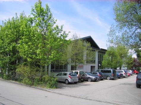 Hallen- u. Bürofläche in repräsentativen Geschäftsgebäude in Geretsried Gewerbegebiet, 82538 Geretsried, Ausstellungsfläche
