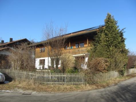 Herrliche 5-Zi-Whg. mit Balkon und Garten in sonniger u. ruhiger Lage, 82547 Eurasburg, Etagenwohnung