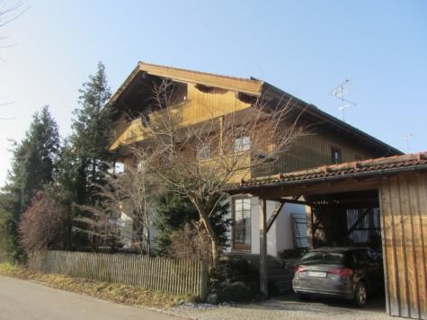Sehr gemütliche 3-Zi-Dachgeschosswohnung mit Balkon, 82547 Eurasburg, Dachgeschosswohnung