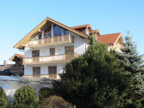 Herrliche 4-Zi-Wohnung mit 2 Balkonen in schöner Lage, 82515 Wolfratshausen, Etagenwohnung