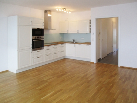 Schöne 2 Zimmerwohnung mit Balkon und Einbauküche in begehrter Lage von Wolfratshausen, 82515 Wolfratshausen, Etagenwohnung